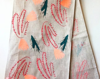 Blooming Cactus Oatmeal Linen Table Runner