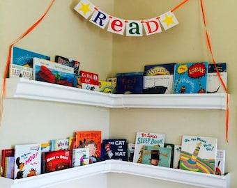 Teacher Gift / Read Sign / Garland / Classroom Decor / Back to School Banner / Photo Prop / Library Decor / Reading Nook