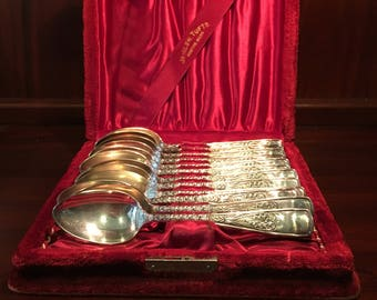 Magnificent Tufts Rare 1800s Victorian  Silver Plate Assyrian/Greek Pattern Set of 12 Spoons in Original Velvet Tarnish Proof Box