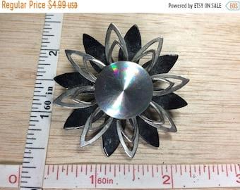 10%OFF3DAYSALE Vintage Silver Toned Black Flower Pin Brooch Used