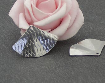 4 triangle charms engraved 29 x 20 mm BR542 stainless steel