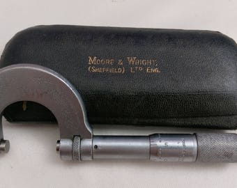 Moore and Wright  micrometer, Vintage micrometer, vintage tools, antique tools, old hand tools, vintage hand tools