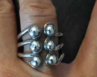 ON SALE Vintage Six Bead Triple Band Modern Ring .925 Sterling Silver 10g Size 8 Unique!