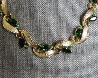 Vintage Lisner Emerald Green Rhinestone Necklace