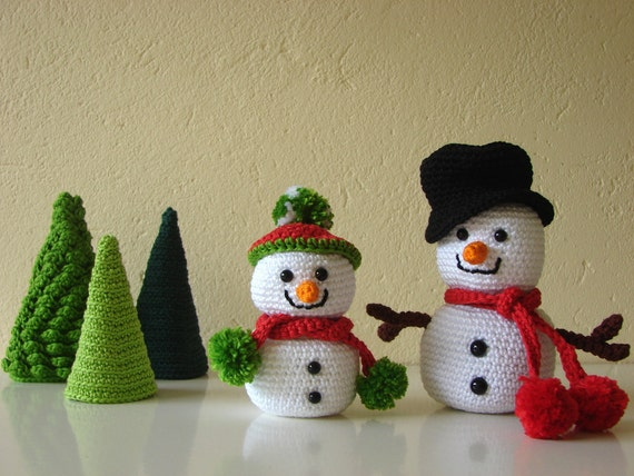 Amigurumi Snowman : Snowman and tree crochet pattern big and little snowman with trees