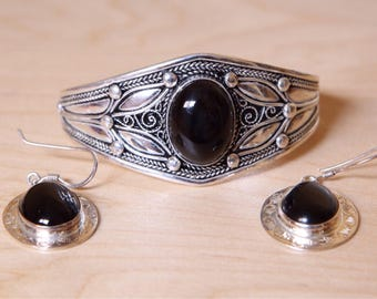 vintage silver bracelet and earrings