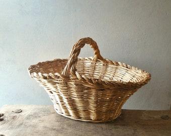 Large Willow Gathering Basket- Vintage French Country Farmhouse Garden & Wedding Flower Basket /0731