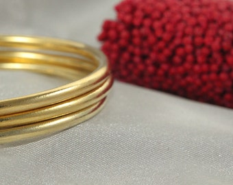Stacking Bracelet, 14k Gold handmade Bangle, 14k Hammered bangle, Bangle, Bracelet 14k Yellow Gold, SET OF 3 Woman Bracelet,3 Gold Bracelet,