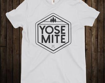 Yosemite National Park / Forest / California / Nature / White T-Shirt