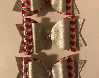 "4"" medium size faux leather bows"