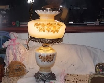 Hurricane Parlor Lamp Beautiful Tan, Brown Flowers On White, Gone With The Wind  Lamp