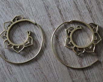 Pair of small spiral earrings