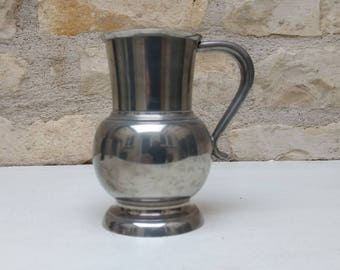 French vintage pewter tankard with handle and pewter marks, Etain du Manoir.