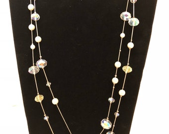 VCLM beaded necklace