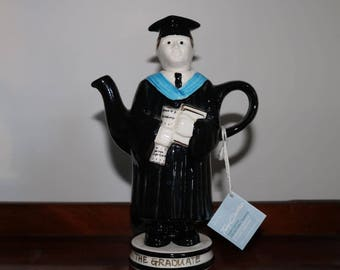 New Vintage collectable tea pot by Tony carter. The Graduate.  Limited edition of 2000. Never used