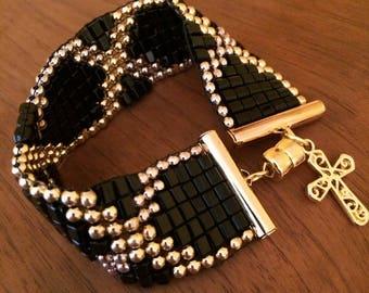 Czech Glass beaded bracelet: black cubes, gold and silver beads