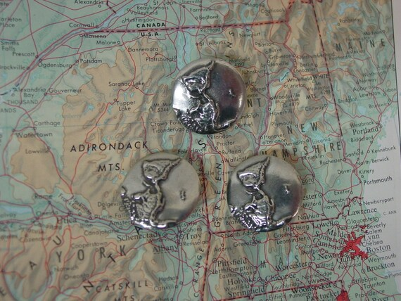 Vintage Danforth Pewter Buttons Hand Crafted In VT. 3 Buttons