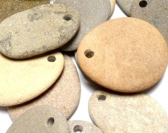 Flat Beach Stones Single Craft Drilled Pebble Pendants Lot Matte Dangles Natural Stone Paint Jewelry diy Party Gift River Rocks