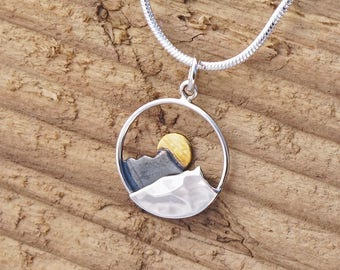 Sterling Silver Mountain Waves Sun Charm Necklace Surf Adventure Travel Q6A5PVV