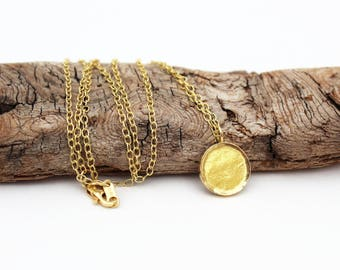 18k Gold Disc Necklace. 18k Gold Necklace. 18k Solid Gold Necklace. 18k Gold Pendant. 18k Gold Round Pendant. 18k Gold Jewelry. Handmade