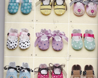 Simplicity 0339 also know as 2491 for 9 different baby shoes in sizes XS - L, NEW and UNCUT. Mary Janes, Dress shoes, Bunny, monkey dog