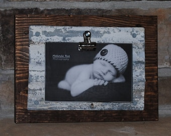 Rustic Clip Frame with Corrugated Metal on Pallet Wood