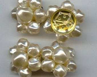 6 Vintage Japanese Baroque Glass Pearl Beaded Cluster 20mm. Sewn Flowers 6935