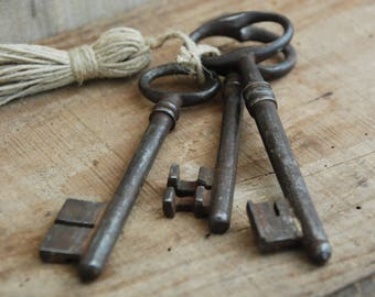 French antique keys, Farmhouse Decor, Rustic barn door, Key wall decor,