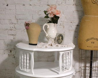 Painted Cottage Chic Shabby Pair of End Tables ENT154