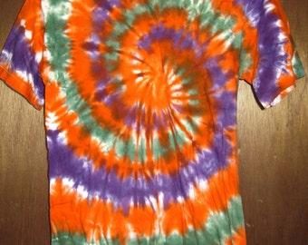 Tie dye shirt - mens small swirl orange green purple