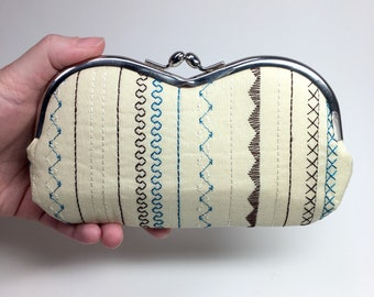 Kisslock Eyewear Case - Stitches