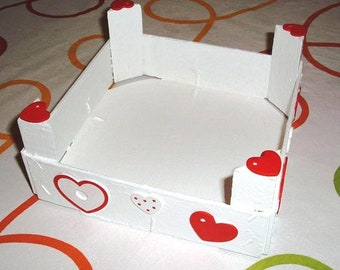 Wood box, wooden box, wood box, Valentine's Day: White chest with hearts