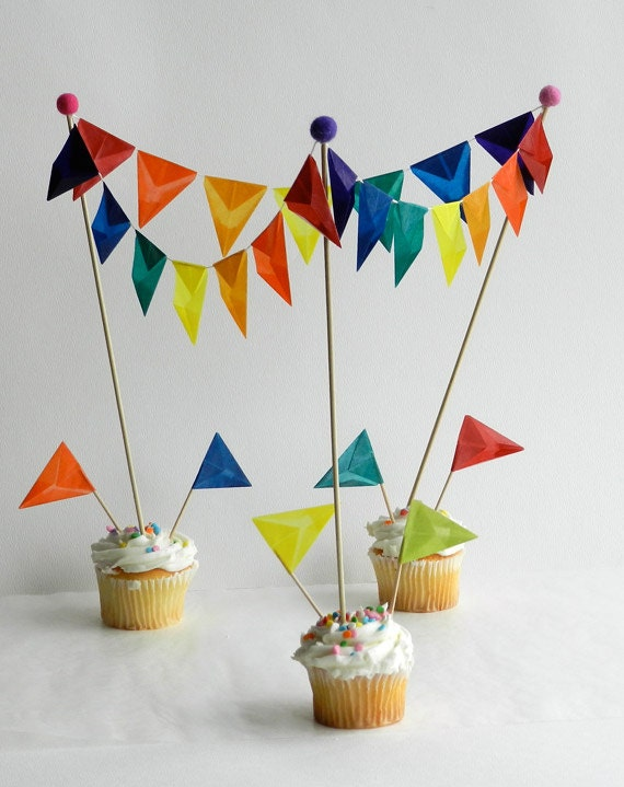 ?zoom & CIrcus Cake Topper for Rainbow Birthday Red and White