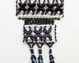Pearls Brooch Black Pink  Jewelry  Romantic gift