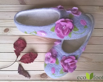 Indoor slippers Handmade felted wool shoes for women's Natural original Slippers custom felted clogs non slip soles warm house woolen shoes