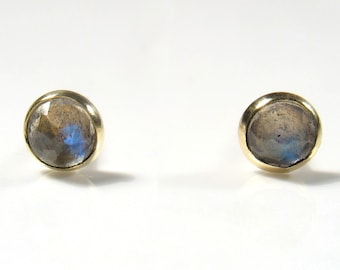 Gold stud, 3mm rose cut Labradorite.