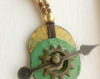 Spinning Arrow Necklace, Spinning Arrow Fidget Jewelry, Adult Fidget Necklace, Green and Gold Necklace, Bronze Arrow Necklace