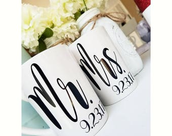 Wedding Gifts // Just Married Gift // Mr and Mrs Coffee Mug Set //  Bridal Shower Gift // Mr and Mrs Gift // Groom Gift //  Bride Gift