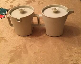 Tupperware Sugar and Creamer Set!