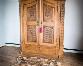 Sale !!! large 18th/19th century armoire/wardrobe