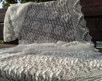"""MADE TO ORDER. Hand knitted Haapsalu shawl """"Chequered"""", traditional Estonian lace, 100% wool."""