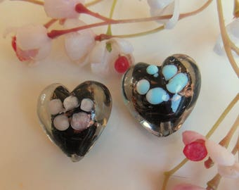 set of 2 lampwork beads in the shape of heart 20x20mm