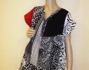 XL to 1X  Black White Red Tunic