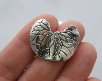 6 Leaf charms antique silver tone L223