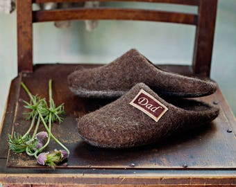 Personalized gift slippers- men felt slippers- house wool shoes- felted slippers- flat wool clogs- home slippers- wool slippers man