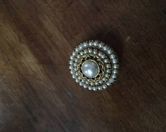 Vintage costume pin pearl and gold tone