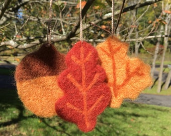 Needle Felted Fall Acorn and Leaf Ornaments, Needle Felted Fall Acorn and Leaf Decorations, Needle Felted Fall Acorn and Leaves