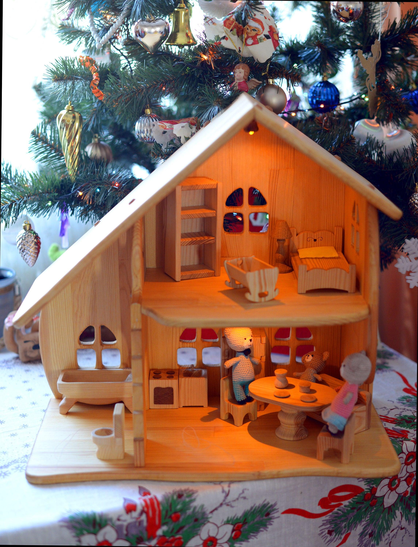 holz puppenhaus montessori waldorf spielzeug beleuchtet. Black Bedroom Furniture Sets. Home Design Ideas