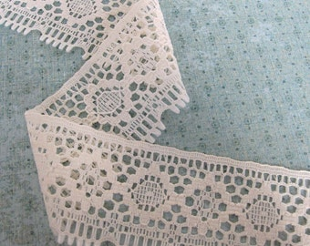 1 Yard of Cream Lace Trim 2.5 Inches Wide - Decorative Edging -Sewing Project -Scrapbooking