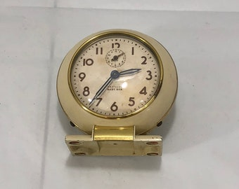 Vintage 1939 - 1949 WESTCLOX BABY BEN 61-R Style 5 Metal Alarm Clock Ivory Color with Brass Trim - Works!  Free Shipping!!